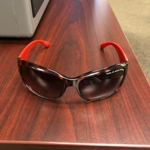 Marc Jacobs tortoiseshell with red arms sunglasses